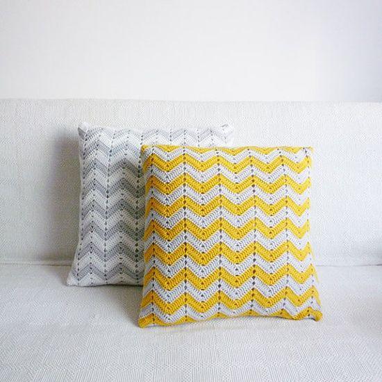 chevron crochet pillow.