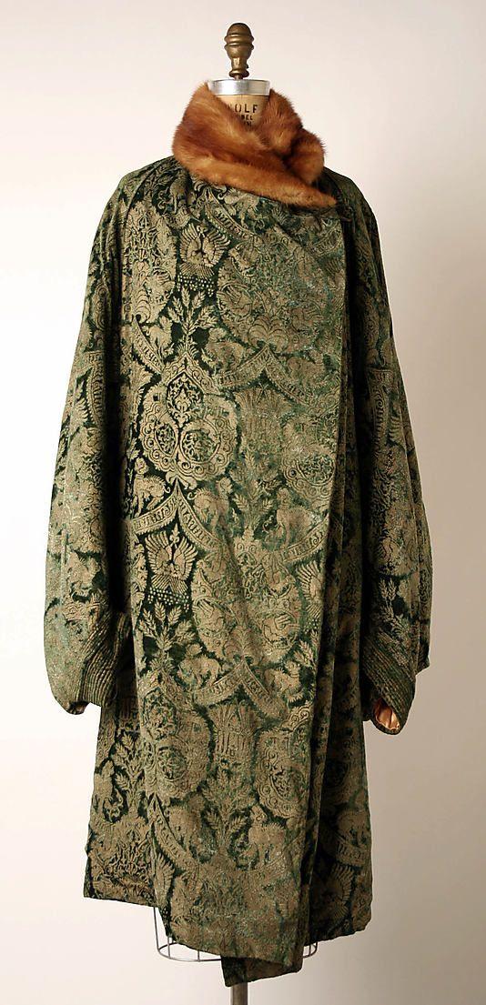 Evening coat Mariano Fortuny (Spanish, Granada 1871–1949 Venice) Design House: Fortuny (Italian, founded 1906) Date: early 1920s Culture: Italian Medium: silk, fur. Front