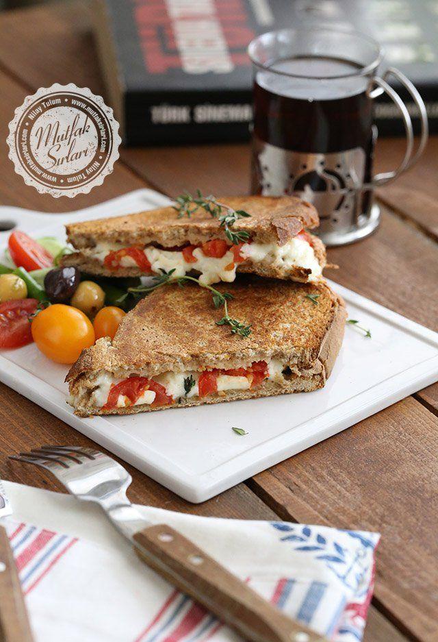 Akdeniz Tostu nasıl yapılır ?  Tarifin püf noktaları, binlerce yemek tarifi ve daha fazlası...