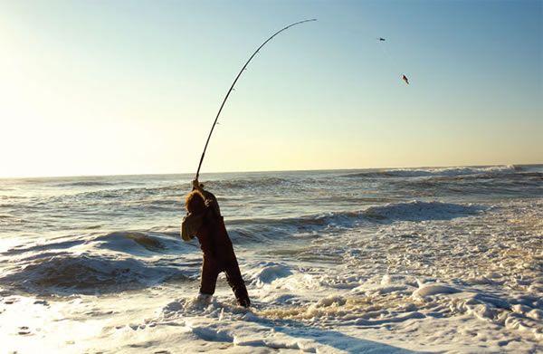 La pesca del surfcasting