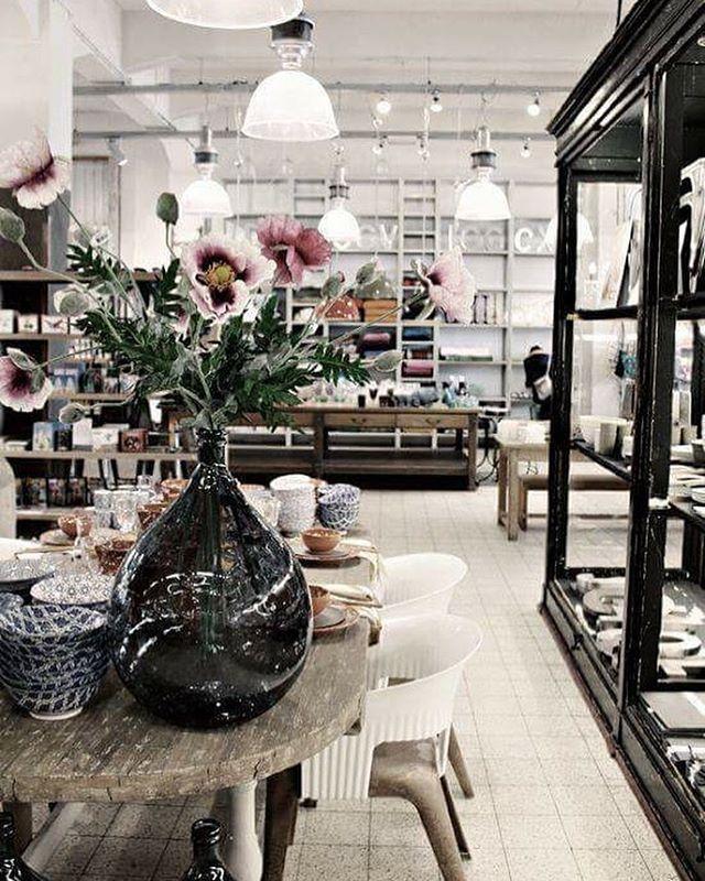 Luzio Concept Store Barcelona. Shop InteriorsDesign ...