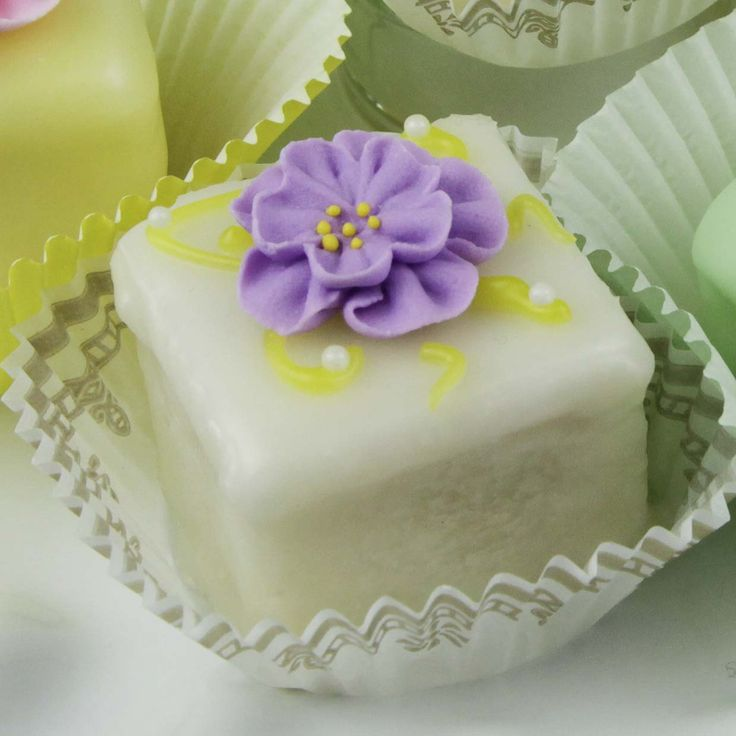 Best 20+ Global Sugar Art ideas on Pinterest Cake sizes ...