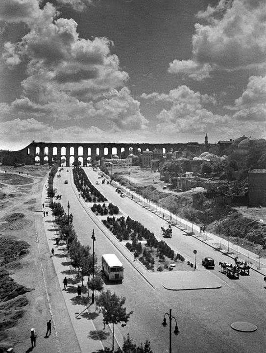 1960 öncesi.. Unkapanı Atatürk Bulvarı.. Sakinliğe bak..