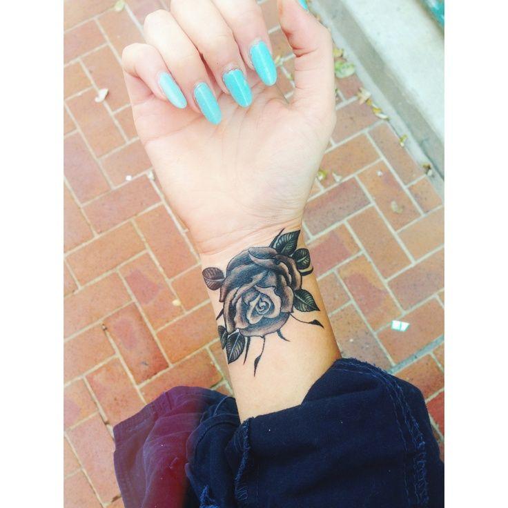 Cool 35 Beautiful Wrist Tattoo Ideas http://www.designsnext.com/?p=32081