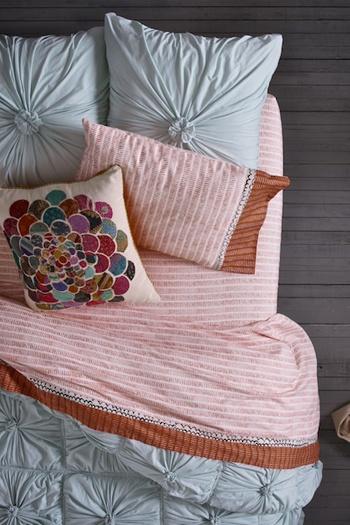 bedroomBed Room bedroom decor BedRoom bedroom design| http://amazingbedroomdecorationideas.blogspot.com