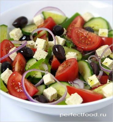 Приготовление греческого салата - фото