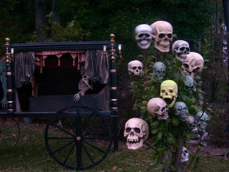 432 best Halloween images on Pinterest Halloween decorations
