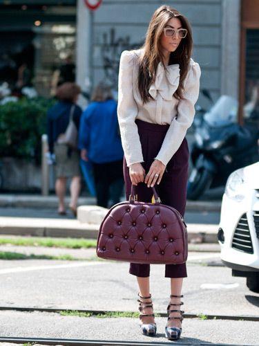 Day 1Milan Street Styles, Celebrities Style, Weeks Street, Oxblood, Bags レ, Berries Stylish, Colors Study, Milan Fashion Weeks, Chic Crop