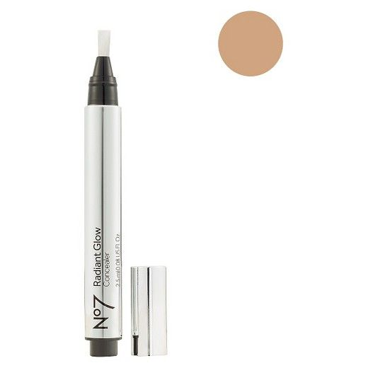 Uses light reflecting particles and an optical blurrer to quickly chase away dark circles, creating a flawless base that's ready for foundation application or that can be left alone for a more natural look. The concealer has been designed to blend easily into skin with a simple application it has also been created with a long lasting formula that helps it stay put for up to eight hours.