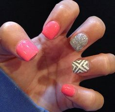 Great spring or summer nail design.