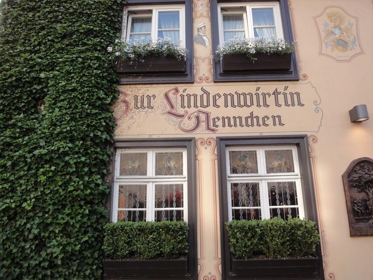 Zur Lindenwirtin  http://www.ausflugsziele-nrw.net/zur-lindenwirtin-aennchen/