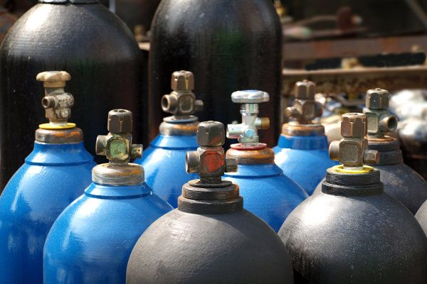 Compressed Gas Cylinder Safety Part 1 | Safety Toolbox Talks Meeting Topics