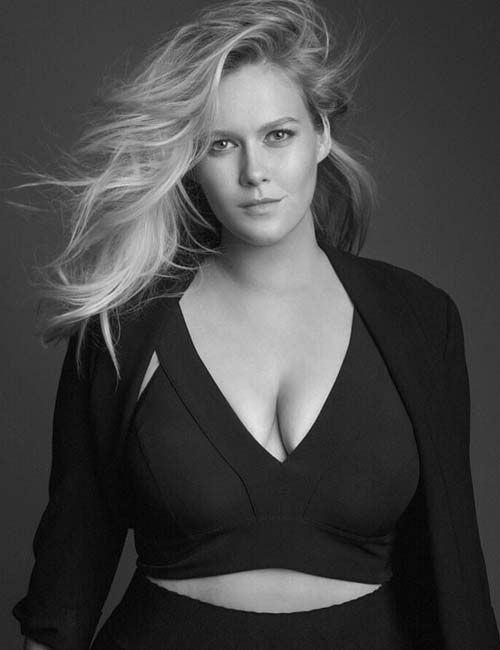 08f85d5cd 10 Most Famous Plus Size Models In The World