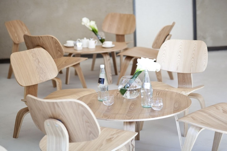 NU HotelMilano / Italia / 2012  plywood chairs