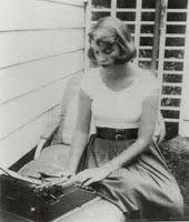 Elena Blank - Sylvia Plath -  Le colline digradano nel bianco. Persone o stelle mi guardano con tristezza, le deludo.