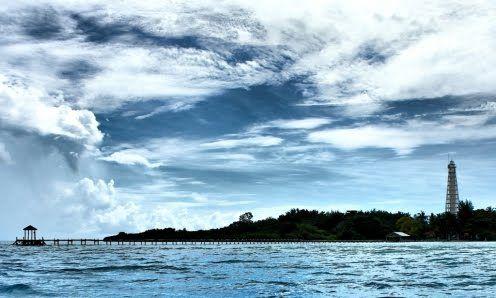 Indahnya sunrise di #PulauBiawak.