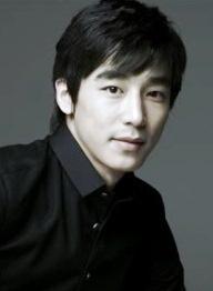 Jin Yi Han    Name:진이한 / Jin Lee Han (Jin Yi Han)  Real name:김현중 / Kim Hyun Joong  Birthdate:1978-Oct-10  Birthplace:South Korea  Height:180cm  Blood type:O