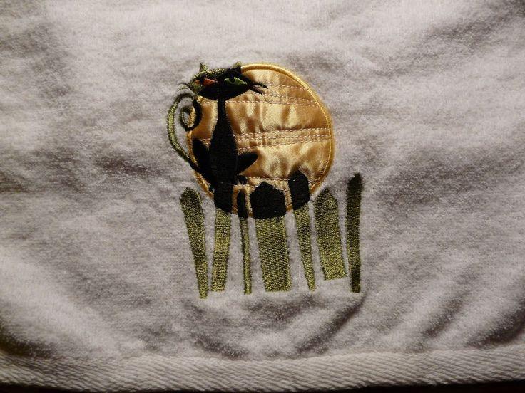 White Hand Towel w/ Black Cat & Full Moon   Home & Garden, Bath, Towels & Washcloths   eBay!