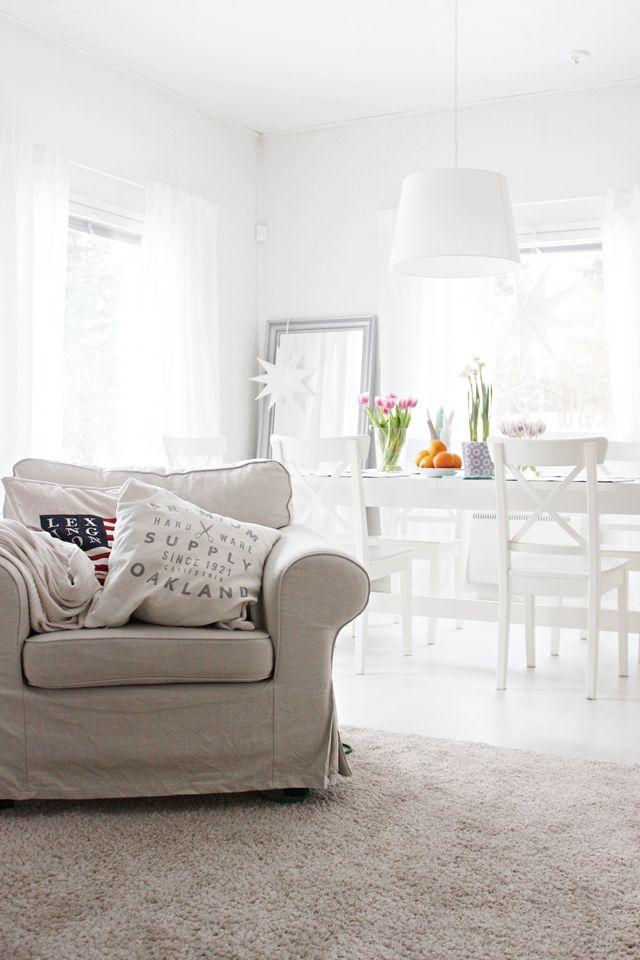 LA PETITE PRINCESSE: white home with springlish colors