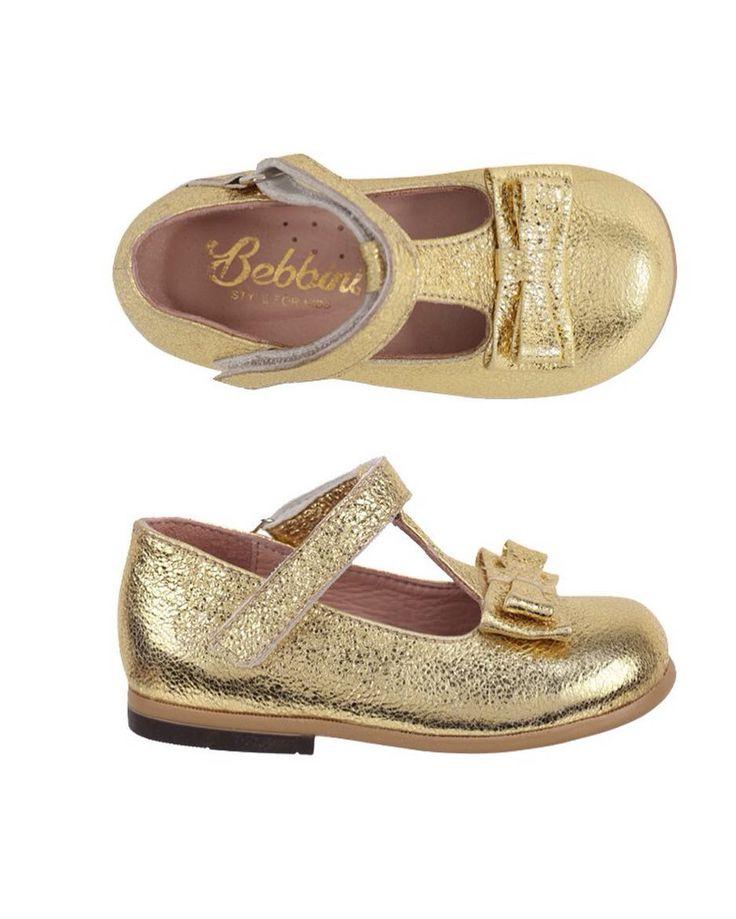 Bebbini Dore Rugan Cırtcırt ve Tokalı Kız Çocuk Ayakkabısı 159.90  TL 19-20-21-22-25 numaralar  Bebbini modelleri yüksek kalite hakiki dana/keçi derisi kullanılarak %100 el işçiliği ile üretilmektedir.  Modellerimiz bebek/çocuk ayak anatomisine uygun olarak hazırlanmaktadır.  Ayakkabılarımızın topuk bölümünde kullanılan yumuşak topuk pedi çocukların yumuşak bir zemine basarak ayaklarının rahat etmesini sağlamaktadır.  Ürünlerimizde domuz derisi ya da suni malzeme kesinlikle…