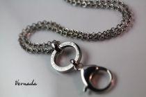Vernada Design UNELMOI. USKO. TAISTELE. USKALLA. -avainkoru, TERÄS  #Vernada #jewelry #koru #teräskoru #ruostumatonteräs #stainless #steel #suomestakäsin #käsityökortteli #finnishdesign #finnishfashion