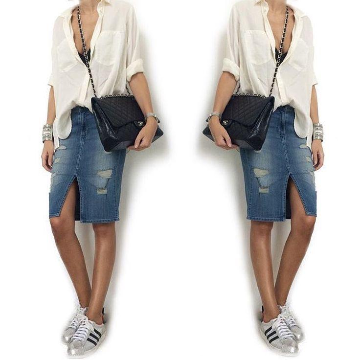 Офисный дресс-код от JiST и Black Orchid: свободная белая блуза, джинсовая юбка-карандаш с рваными деталями, кеды  и объемная, но лаконичная сумка для документов. Что еще надо, чтобы наслаждаться своей трудовой деятельностью? Ну разве что вкусный и полезный ланч!