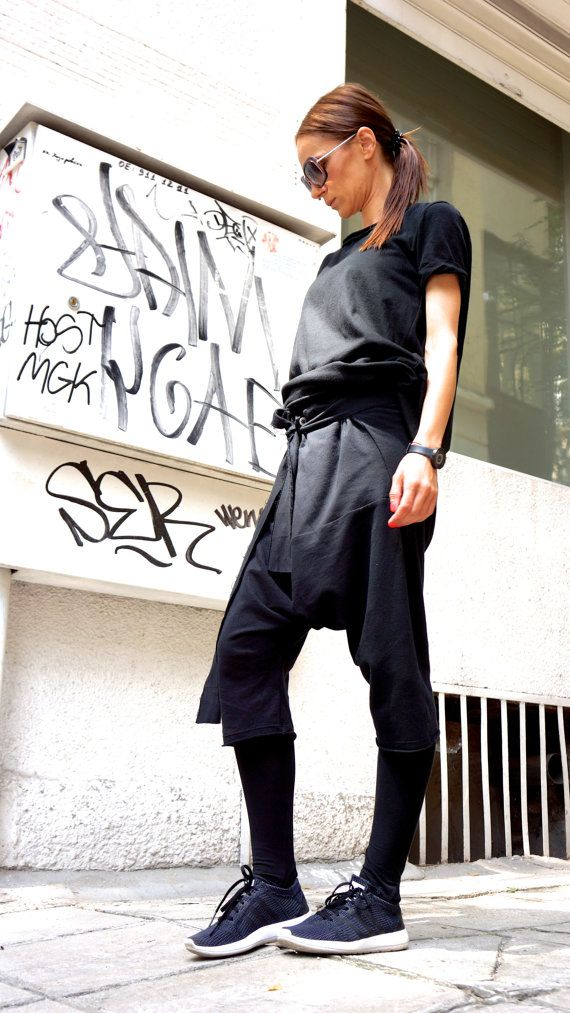 Loose Casual Black Drop Crotch Harem 7/8 Pants / by Aakasha, $59.00
