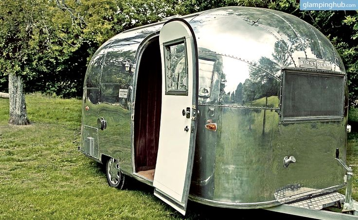 les 25 meilleures id es de la cat gorie airstream bambi. Black Bedroom Furniture Sets. Home Design Ideas