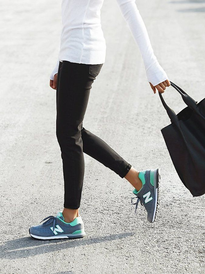 New Balance trainers with compression top and black jeans | streetstyle  fashion style clothes denim health