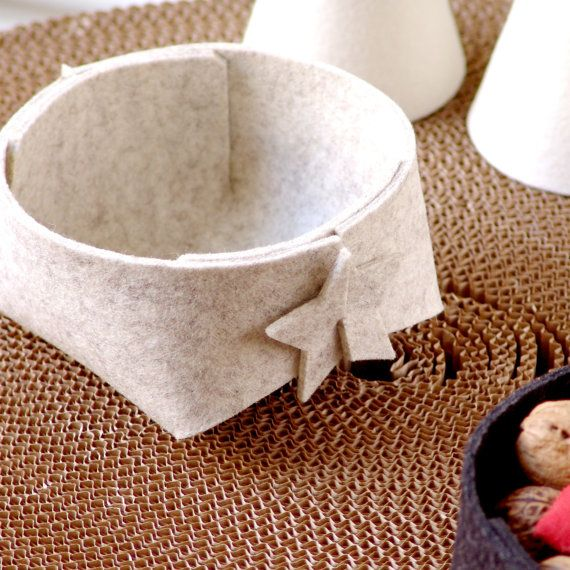 Feltro in lana piccolo cesto  grigio ritenuto di SKANDINAVIOUS