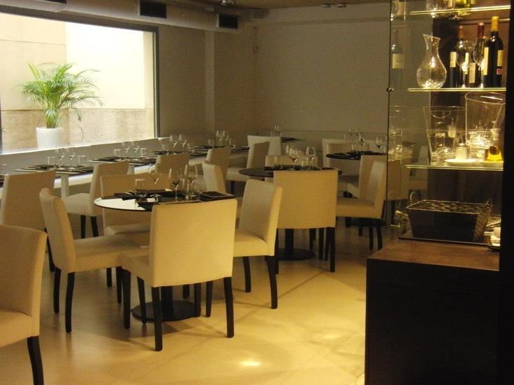 El salón del piso de abajo, para comer o cenar con tranquilidad