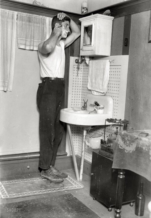 82 best images about vintage bathrooms bath houses on for 1915 bathroom photos