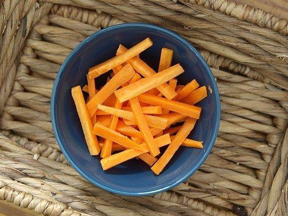 Маринованные морковные палочки