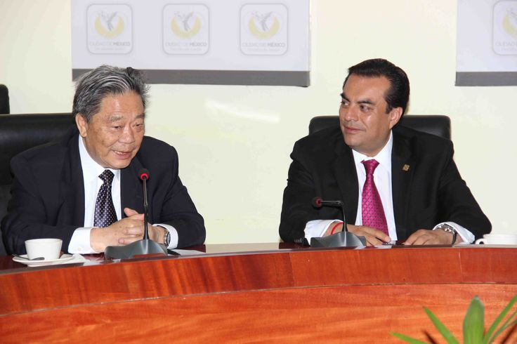 En nombre del Jefe de Gobierno del Distrito Federal Dr. Miguel Ángel Mancera, se recibió al Presidente de la Asociación de Productividad y Desarrollo Industrial y a su comitiva, contemplando las nuevas posibilidades de inversión para generar desarrollo y empleos en la Ciudad de México.