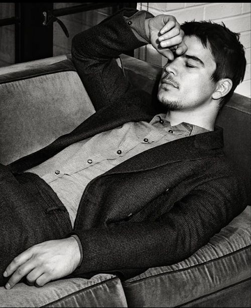 Where has he been. One of my earlier crushes. Josh Hartnett. Yes please!! Thank you!