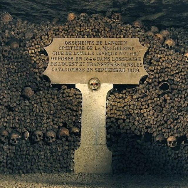 The Catacombs Paris,France Hault! Here lies the tomb on the dead!
