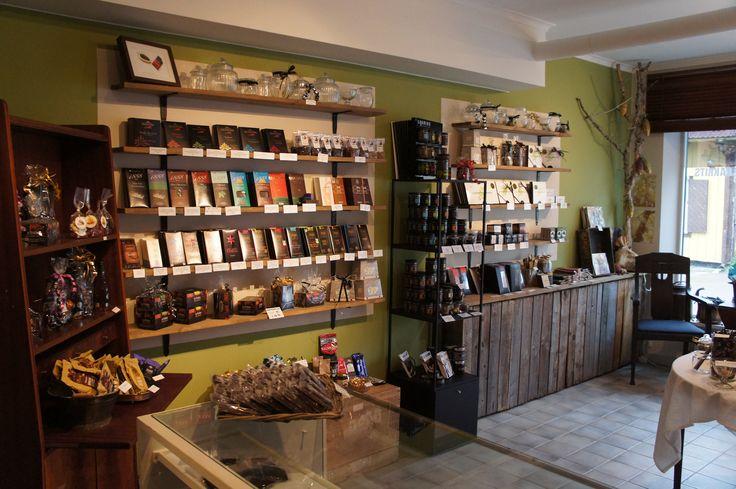 Chokladväggen i vår butik i Trosa, juni 2013