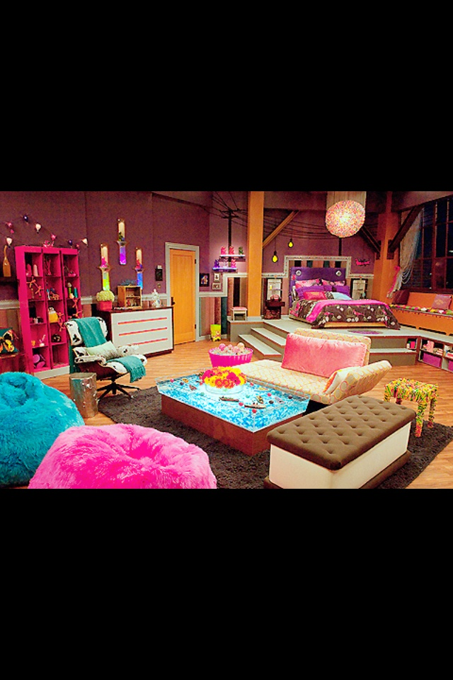 my dream bedroom this is cute its got a pop of color