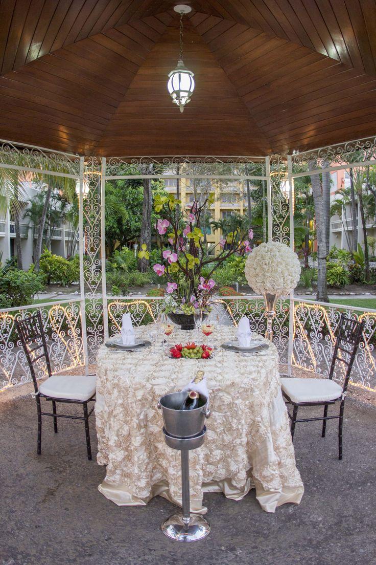 Kiosco en los jardines del Hotel Posada de Tampico.
