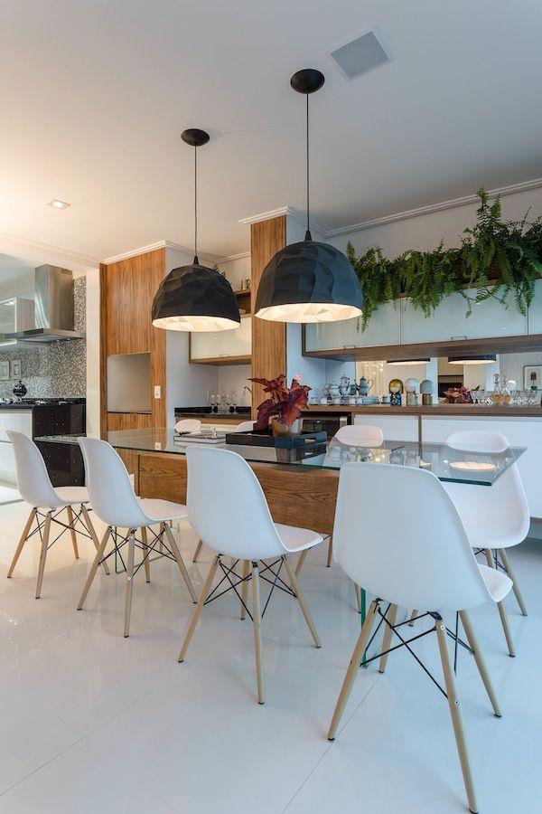 Ideias de sala de jantar com a cadeira Eames - Constance Zahn   Casa & Decor