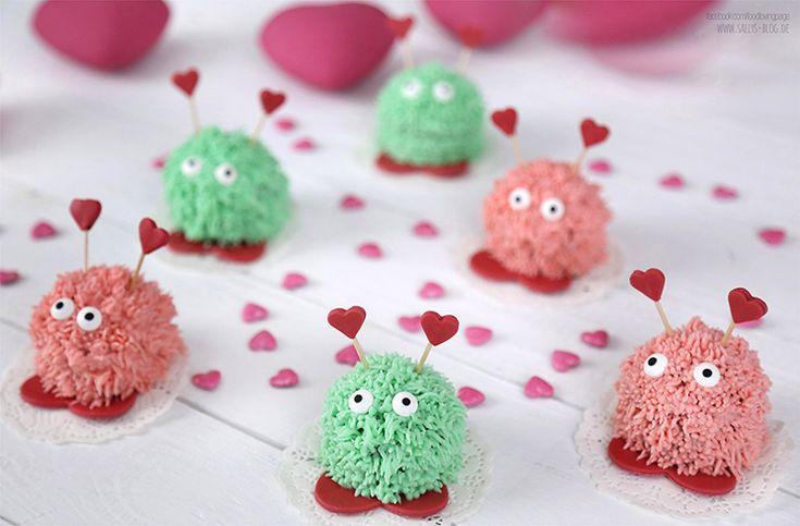 Valentinstags-Muffins mit Erdbeer- und Minzcreme / süße Puschel