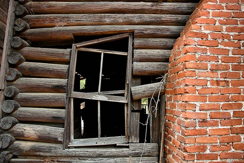 28 best images about log cabins on pinterest montana for Windows for log cabins