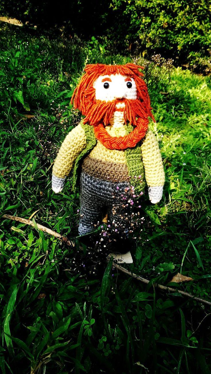 http://crochetfangirl.blogspot.com/2015/02/the-hobbit-amigurumi-dwarves.html