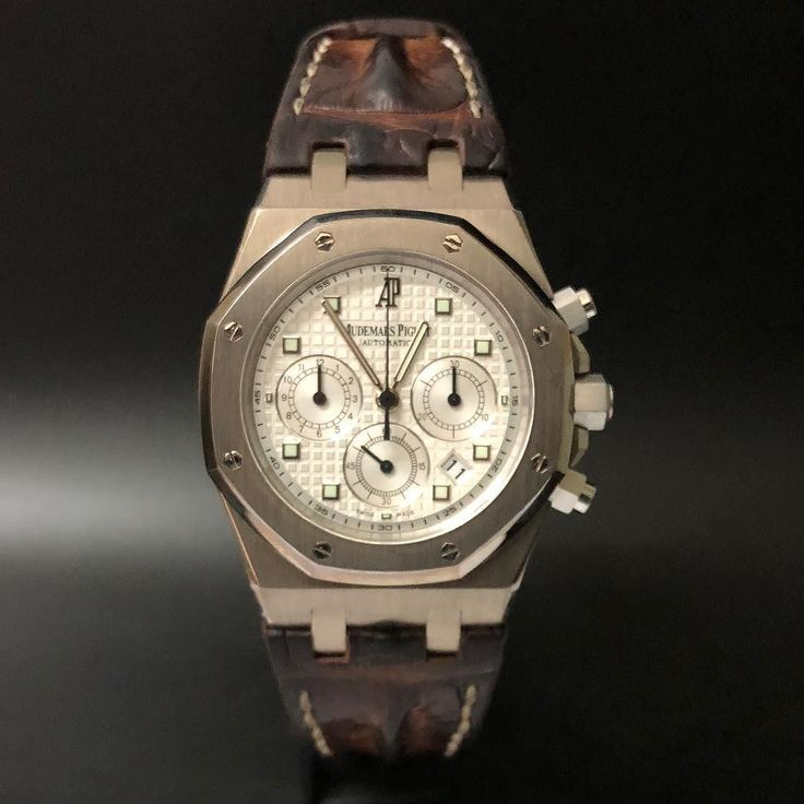 Audemars Piguet Royal Oak Chronograph White Gold WA : 628121067189 : 021-7209021 https://mulialegacy.com