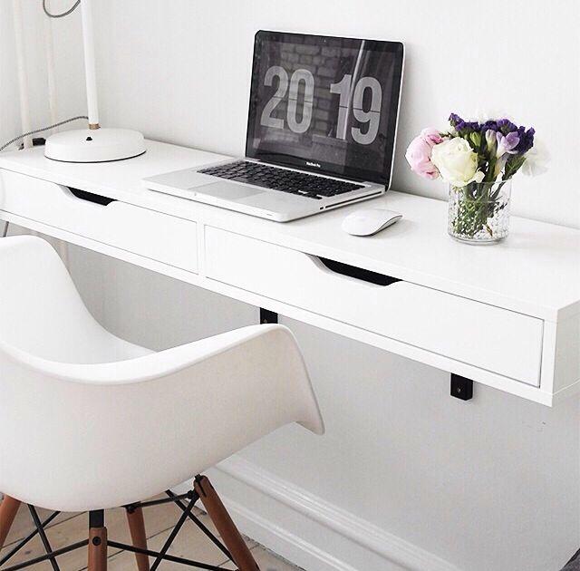 Mesa sencilla tipo escritorio