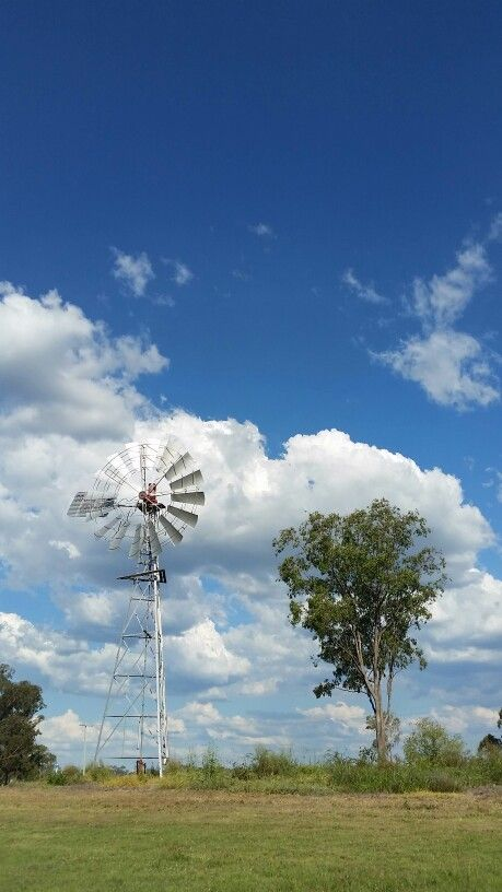 Outback Queensland,  Australia. #pointassist #adventure #adventuretravel #travel #australia #outback #queensland #southerncross #windmill
