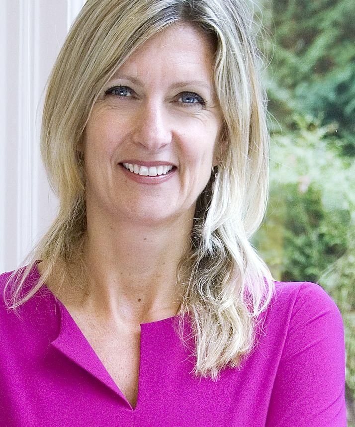 Jacqueline Zuidweg is oprichter en directeur van Zuidweg & Partners B.V. én Zakenvrouw van het Jaar 2012. Jacqueline is in 1994 gestart met haar onderneming om MKB-ondernemers bij te staan die in financieel zwaar weer verkeren. Inmiddels heeft haar organisatie, die 60 medewerkers telt, ruim 20.000 ondernemers bijgestaan. Als blijk van erkenning voor haar activiteiten en ondernemerskwaliteiten is Jacqueline uitgeroepen tot Zakenvrouw van het Jaar 2012 (Prix Veuve Clicquot).