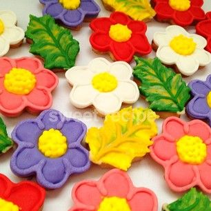 flower and leaf cookies