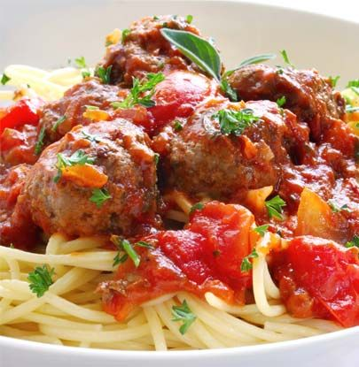 Nothing beats a traditional spaghetti meatballs to favor the taste buds of the kids.