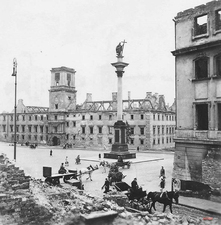 Widok na Plac Zamkowy fot. 1941r., źr. fotopolska.eu
